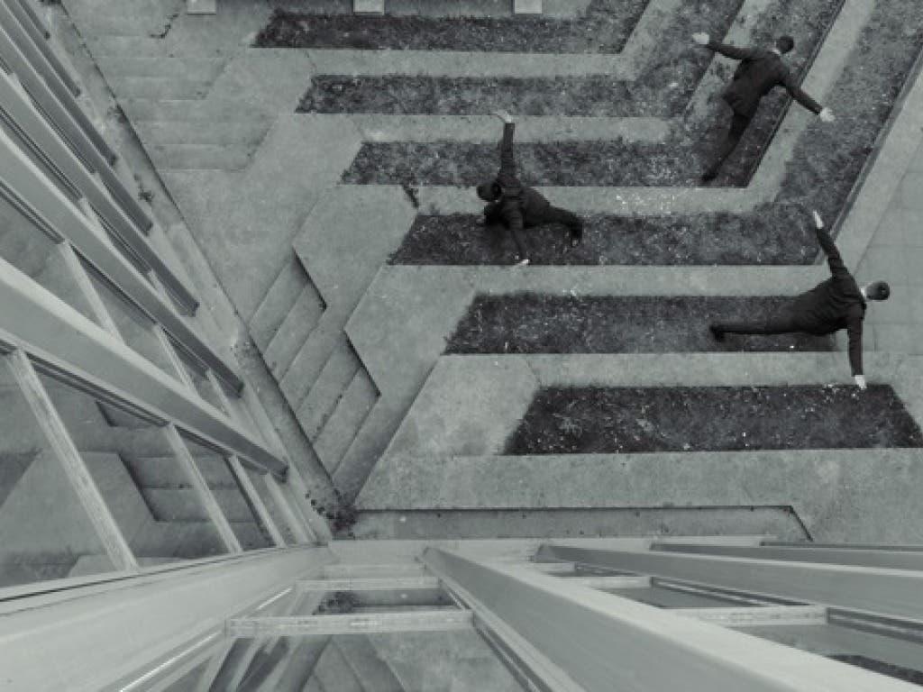 Ungewöhnlichen Ansichten: Szene aus dem Tanzfilm «720°» des Tanzensembles des Theater St. Gallen.
