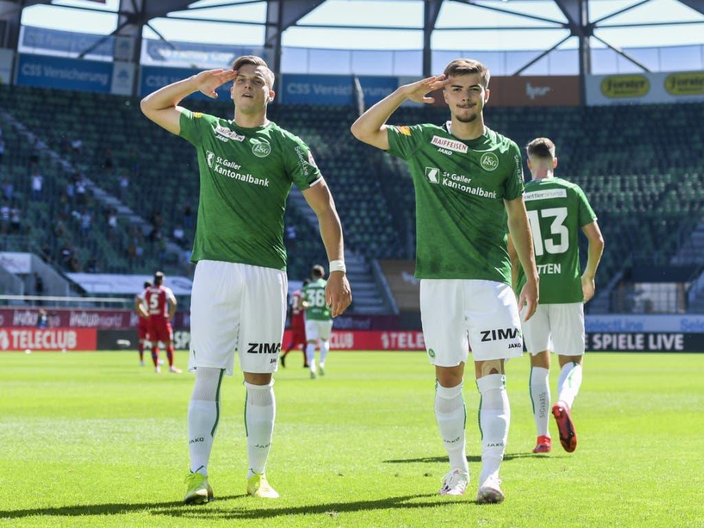 Der FC St. Gallen ist weiter auf Höhenflug: Doppel-Torschütze Ermedin Demirovic (li.) und Betim Fazliji