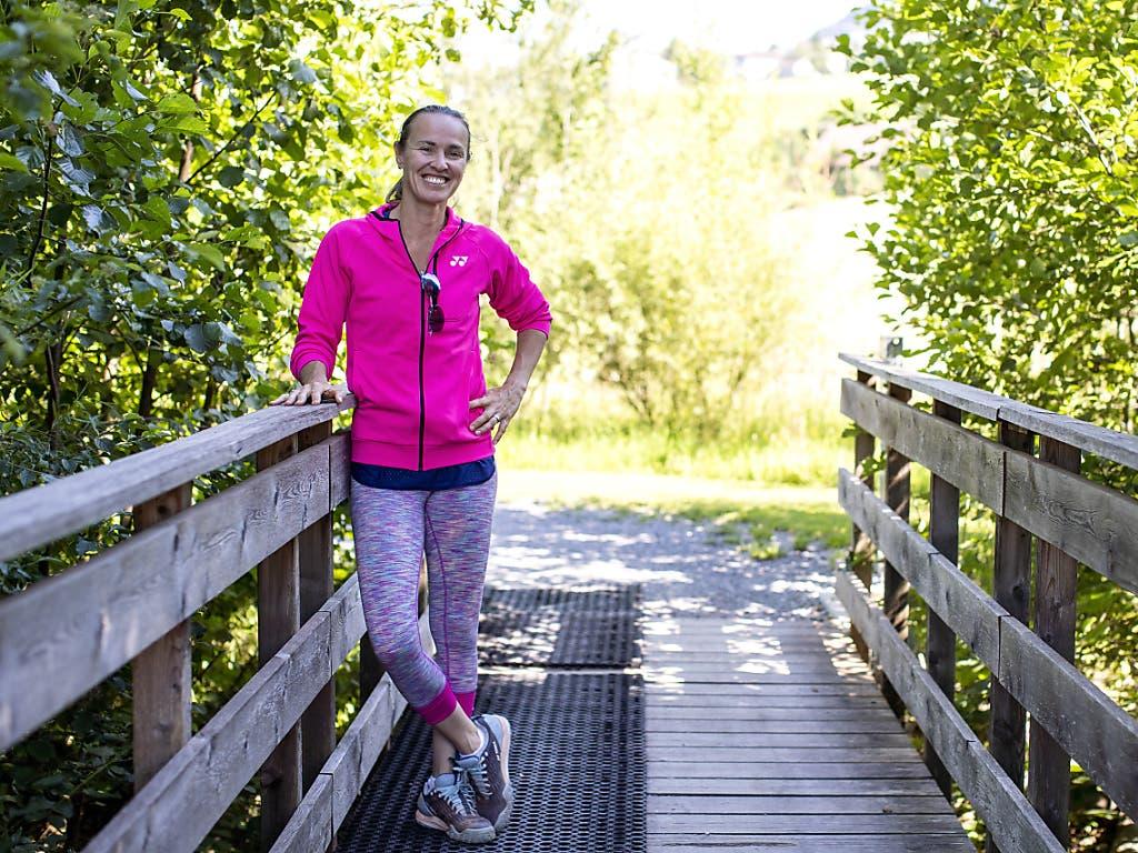 Zufrieden und glücklich als Mutter und Tennislehrerin von Junioren: Martina Hingis auf der Anlage des TC Ried in Wollerau