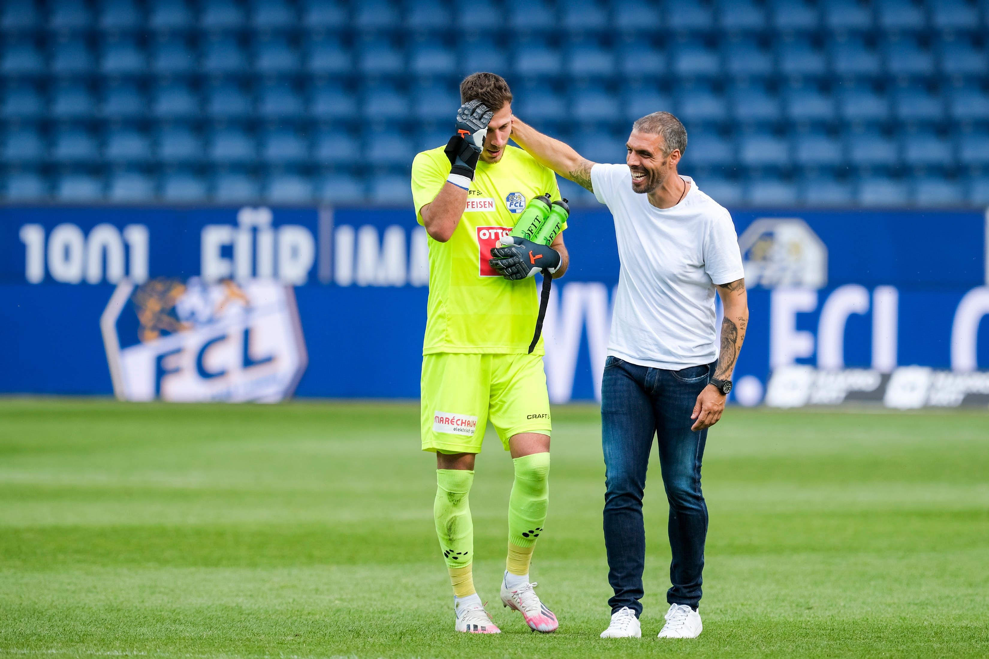 FCL-Trainer Fabio Celestini (rechts) und Torhüter Marius Müller nach dem Spiel.