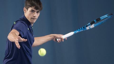 Noah López spielt erfolgreiches Tennis. (Pius Amrein  (lz) / Luzerner Zeitung)