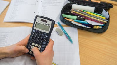 Luzerner Lehrer erhalten im Kindergarten und der Primarstufe ab dem Schuljahr 2021/2022 mehr Lohn. (Symbolbild: Boris Bürgisser)