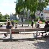 Das interaktive Wasserspiel ist ein Highlight auf dem Generationen-Spielplatz Kappeli in Buchs. (Bilder: Katharina Rutz)