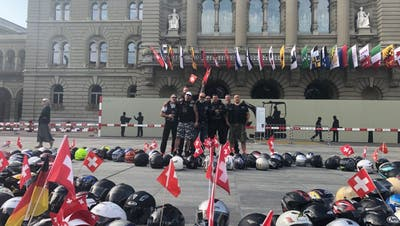 Hunderte Motorradfahrer an Protestaktion vor dem Bundeshaus