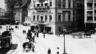 Das Hotel Schwanen verkörperte als erstes Hotel am See den aufblühenden Tourismus in Luzern. (Bild: Leporello, Luzern – Stadt am Wasser)