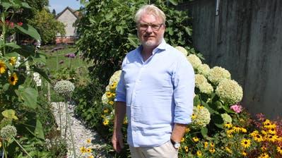 Boris Schedler in seinem Garten in Wittenbach. (Perrine Woodtli (11. August 2020))