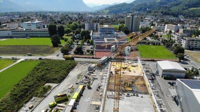 Unweit von BZB und NTB befindet sich das Industriegebäude in der Fegeren im Bau. Die Brusa Elektronik AG wird dort einziehen. (Michael Kyburz)