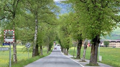 Die Grossteilerstrasse in Giswil von der Lauibrücke in Richtung Schulanlagen. (Bild: PD)
