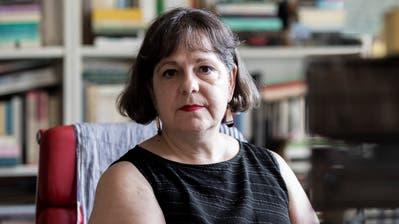 Kulturwissenschafterin Elisabeth Bronfen in ihrer Zürcher Wohnung. (Severin Bigler (Zürich, 12. August 2020))