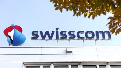 Die Swisscom hat 2020 bisher weniger verdient als noch vor einem Jahr. (Keystone)
