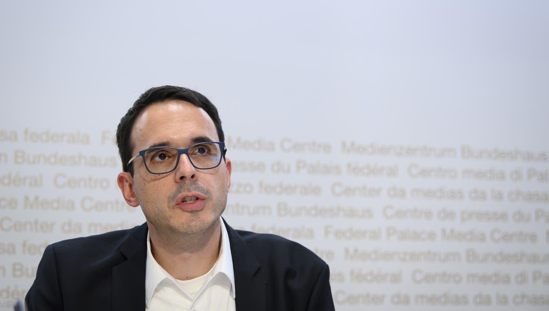 Stefan Kuster, Leiter Übertragbare Krankheiten beim Bundesamt für Gesundheit, an einer Pressekonferenz. (Bild: Anthony Anex / Keystone)