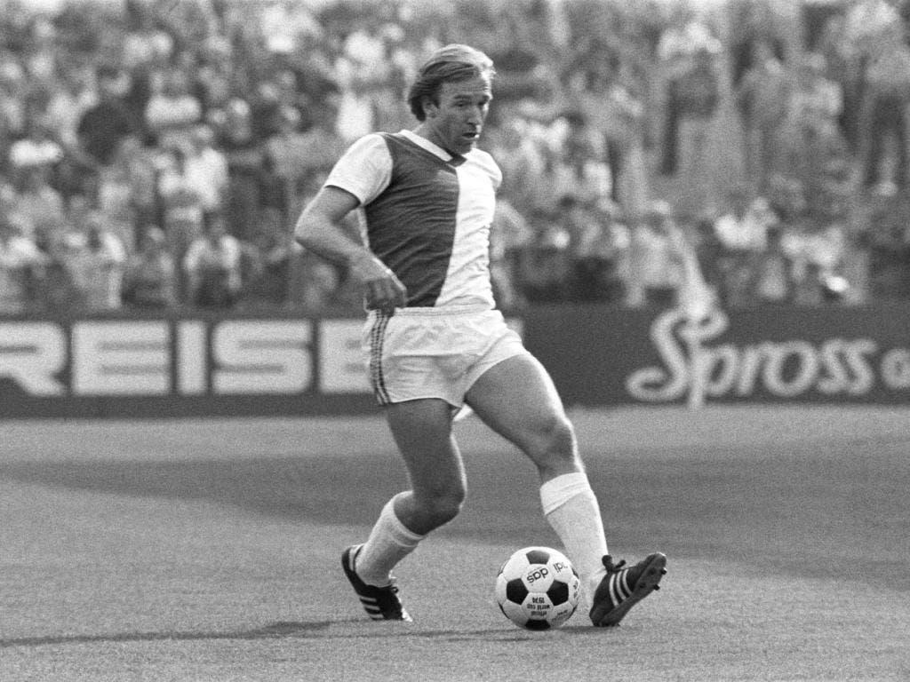 Der Ball war für Günter Netzer nie ein fremdes Objekt. Was er konnte, zeigte er auch im Tenü der Hoppers