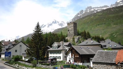 Der Kanton Uri bietet unter anderem Dorfrundgänge durch Hospental an. (Bild: Urs Hanhart (7. Juni 2018))