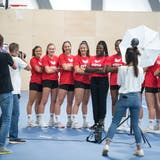 Posieren vor den Kameras: Die zehn aussichtsreichsten Nachwuchstalente im Schweizer Frauen-Handball. (Bilder: Maria Schmid (Cham, 17. August 2020))