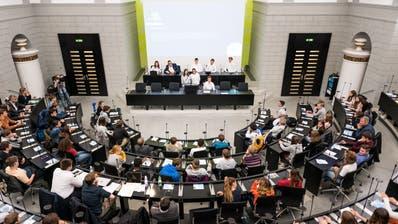 Ein Jugendparlament (auf dem Bild jenes vom Kanton Luzern) kennt man in Nidwalden noch nicht. (Bild: Roger Grütter (Luzern, 15. November 2019))