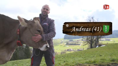 Die Zeit mit seinen Kühen gibt dem tierlieben Bauern Andreas Gisler Energie. (Bild: PD)