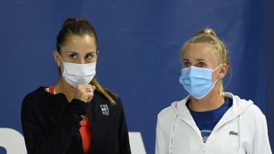 Belinda Bencic und Jil Teichmann Ende Juli in Biel. Während Bencic auf die US Open verzichtet, nimmt Teichmann am Turnier in New York teil. (Anthony Anex / KEYSTONE)