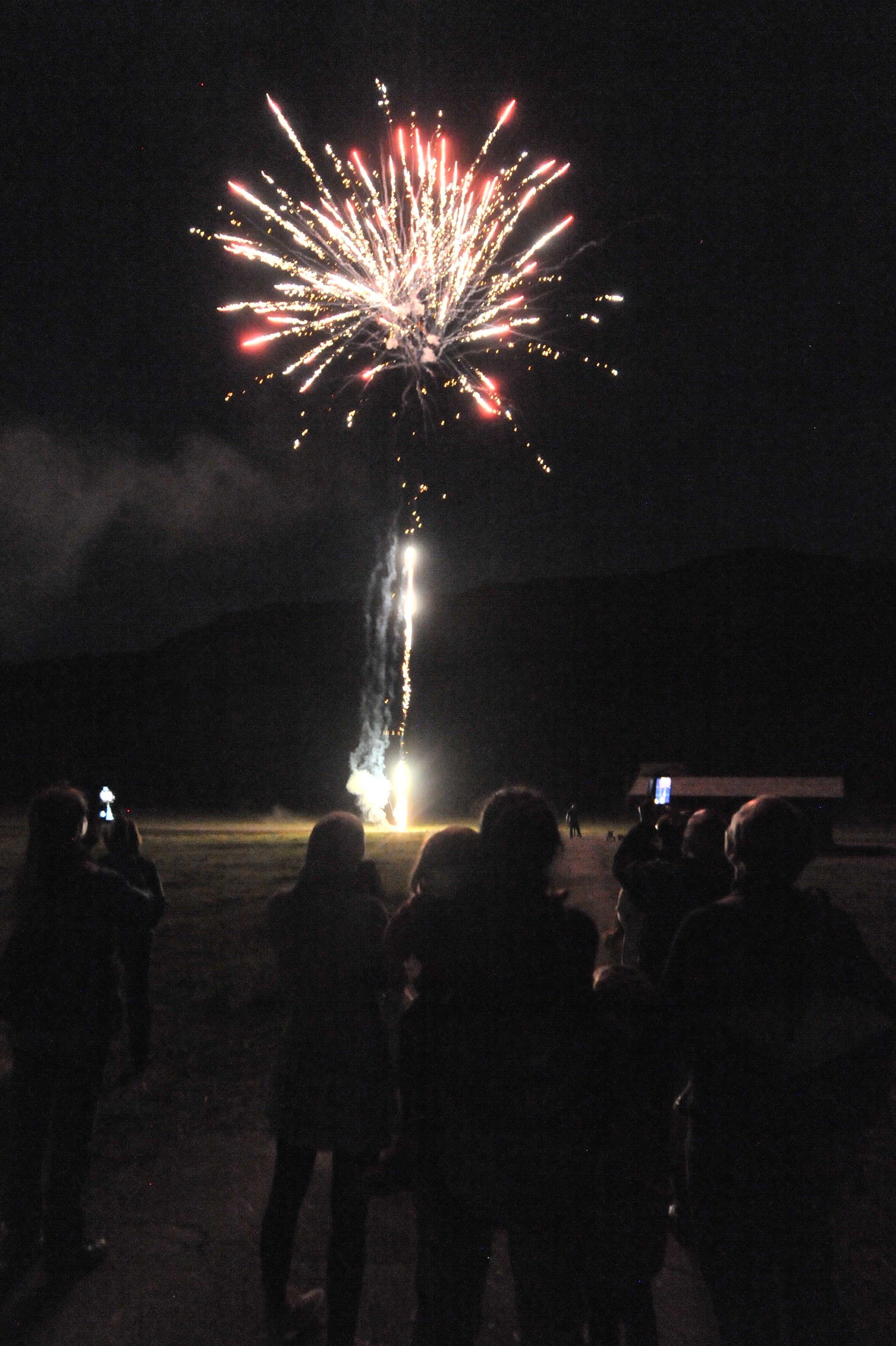 Die Teilnehmer kamen in den Genuss eines rund fünfzehnminütigen Feuerwerks.