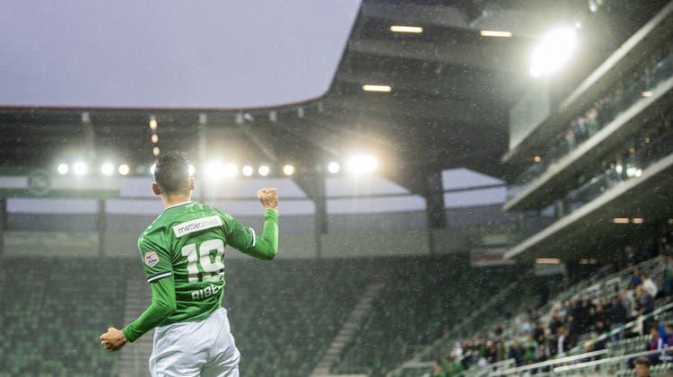 Fussball (fast) ohne Fans: André Ribeiro jubelt im Heimspiel gegen den FC Luzern. (Bild: Keystone/Ennio Leanza (St.Gallen, 16. Juli 2020))