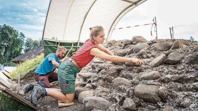 «Wir führen eine Notgrabung durch»: Archäologen sind in Wängi denResten der Burg Rengerswil auf der Spur
