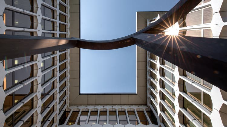 Aussenansicht des Hauptsitzes der Luzerner Kantonalbank an der Pilatusstrasse in Luzern. (Bild: Pius Amrein (25. Juni 2020))