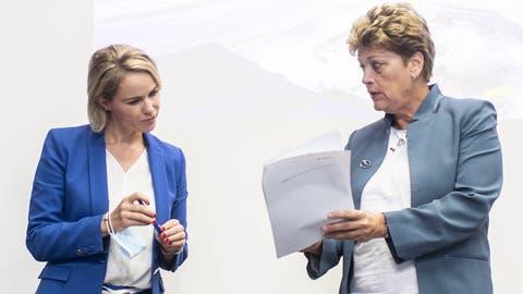 Strengeres Coronaregime im Kanton Zürich: Die Regierungsrätinnen Natalie Rickli und Silvia Steiner. (Bild: Ennio Leanza/Keystone)