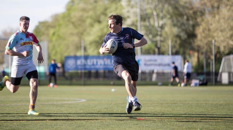 Touch-Rugby beim Training auf der Allmend. Im Bild: Spielertrainer John BartonFotografiert am 25. April 2019 in Luzern(Manuela Jans-Koch   LZ) (Manuela Jans-Koch   Lz)