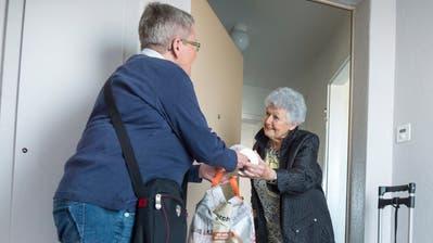 Ein Beispiel für Nachbarschaftshilfe im Kurzdorf. ((Bild: Andrea Stalder))