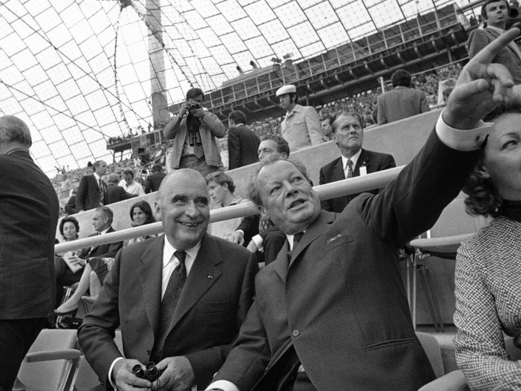 Auch die obersten Politiker konnten die Eröffnungsfeier noch geniessen: Der deutsche Bundeskanzler Willy Brandt mit dem französischen Staatspräsidenten Georges Pompidou