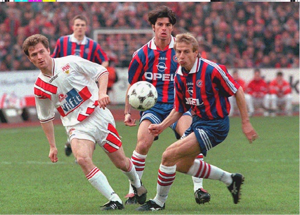 1995: Auf die Saison 95/96 hin wechselt Sforza zum grossen FC Bayern München. Seine erste Station im Ausland war der 1. FC Kaiserslautern.