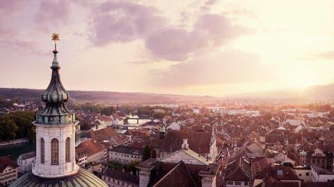 Schriftsteller Peter Bichsel war lange Stammgast in der ältesten Genossenschaftsbeiz der Schweiz: Im Solothurner «Kreuz». (Bild: Keystone)