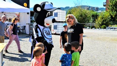 Wie im vergangenen Jahr wird auch diesmal «Willy», das Maskottchen des FC Wil, das Eschliker «Food & Fun» besuchen.