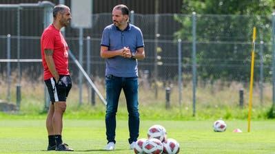 Trainer Fabio Celestini (links) und Sportchef Remo Meyervor anderthalb Wochen beim Trainingsstart auf der Allmend. (Bild: Martin Meienberger/Freshfocus (Luzern, 19. August 2020))