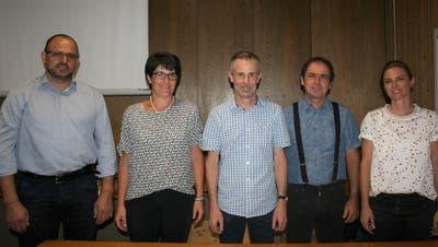 Von links: Schulrat Urs Dörig, Kassierin Irene Broger, Präsident Andreas Fuchs, Emanuel Rechsteiner und Nathalie Enzler. (Bild: Vreni Peterer)