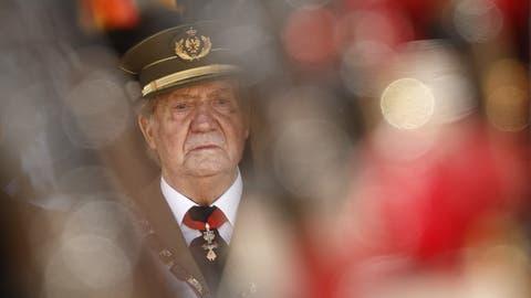 Altkönig Juan Carlos: Sein Sohn Felipe hat längst mit ihm gebrochen. Korruptionsvorwürfe treiben ihn nun gar ins Exil. (Daniel Ochoa De Olza / AP)