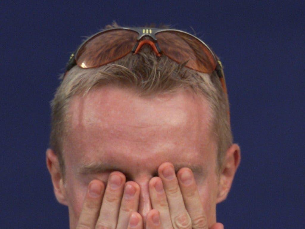 André Bucher weint nach dem WM-Titel vor Glück