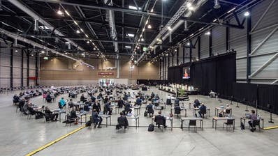 Kantonsratssitzung in der Messe Allmend. (Bild: Pius Amrein (Luzern, 23. Juni 2020))
