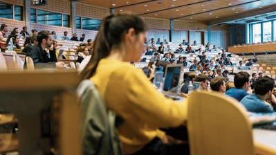 Studierende oder Studenten?: «Wir brauchen eine Debatte um gendergerechte Bezeichnungen» – ein HSG-Student startet eine Online-Petition