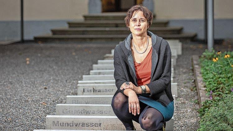 Neue Ausstellung im Aarauer Forum Schlossplatz: In 37 Schritten in die literarische Aare