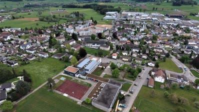Blick auf die Eschliker Schulanlage Bächelacker (Bild: Olaf Kühne)