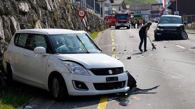 An beiden Fahrzeugen entstand hoher Sachschaden. (Bild: Geri Holdener)