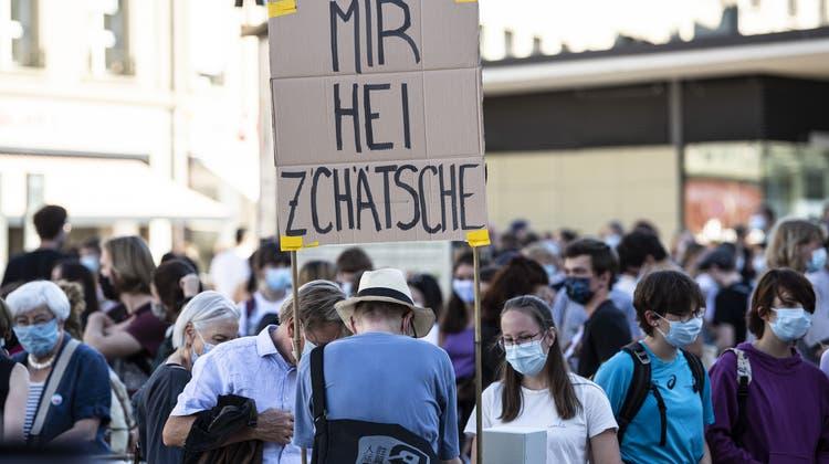Der Anteil Schweizer Jugendlicher, die an politischen Demonstrationen teilnehmen, hat sich seit 2018 verdoppelt. (Symbolbild) (Keystone)