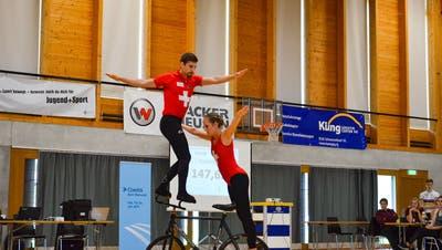Lukas Burri und Fabienne Hammerschmidt beendeten den Heimwettkampf auf Schlussrang drei. (Bild:PD)