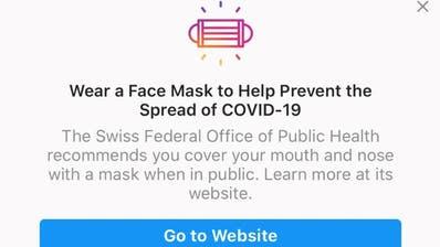 Auf Englisch und in den Schweizer Landessprachen informieren Facebook und die Tochterfirma Instagram über die Maskenpflicht in der Schweiz. Nur: Die Aussage stimmt nicht. In der Schweiz gibt es keine Maskenpflicht draussen in der Öffentlichkeit. (Instagram)