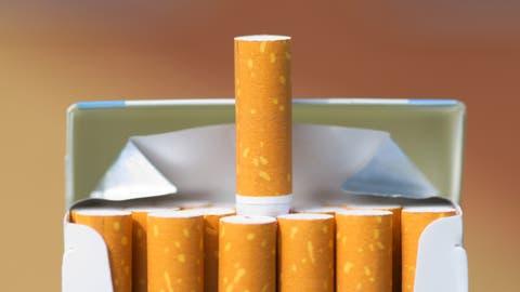 Ein 31-Jähriger wollte 1000 gestohlene Zigarettenschachteln im Wert von 32000 Euro weiterverkaufen. (Synchr / iStockphoto)