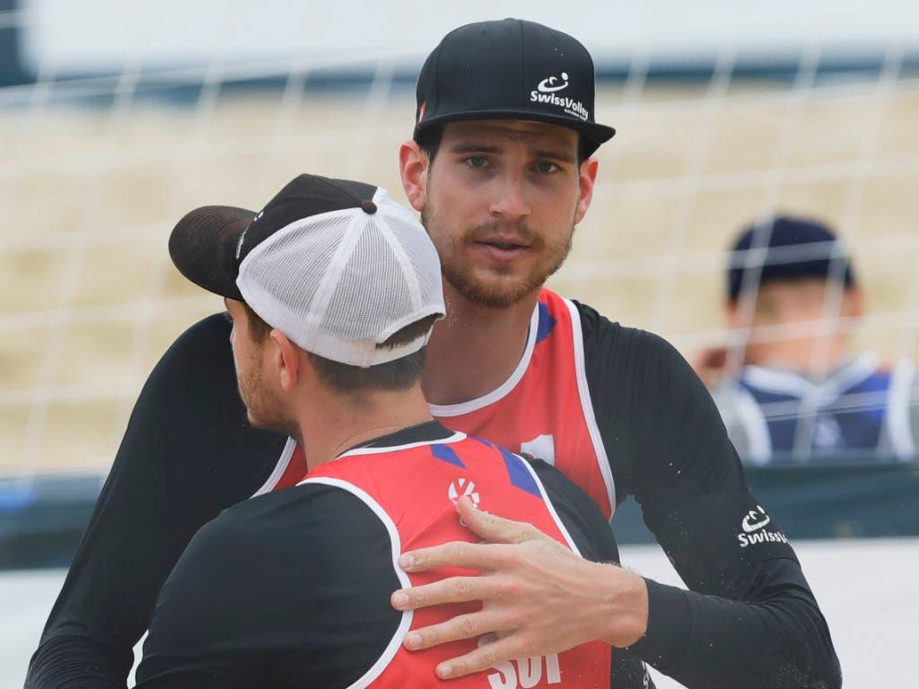 Adrian Heidrich (rechts) und Mirco Gerson starten mit einem Sieg zur Beachvolleyball-EM