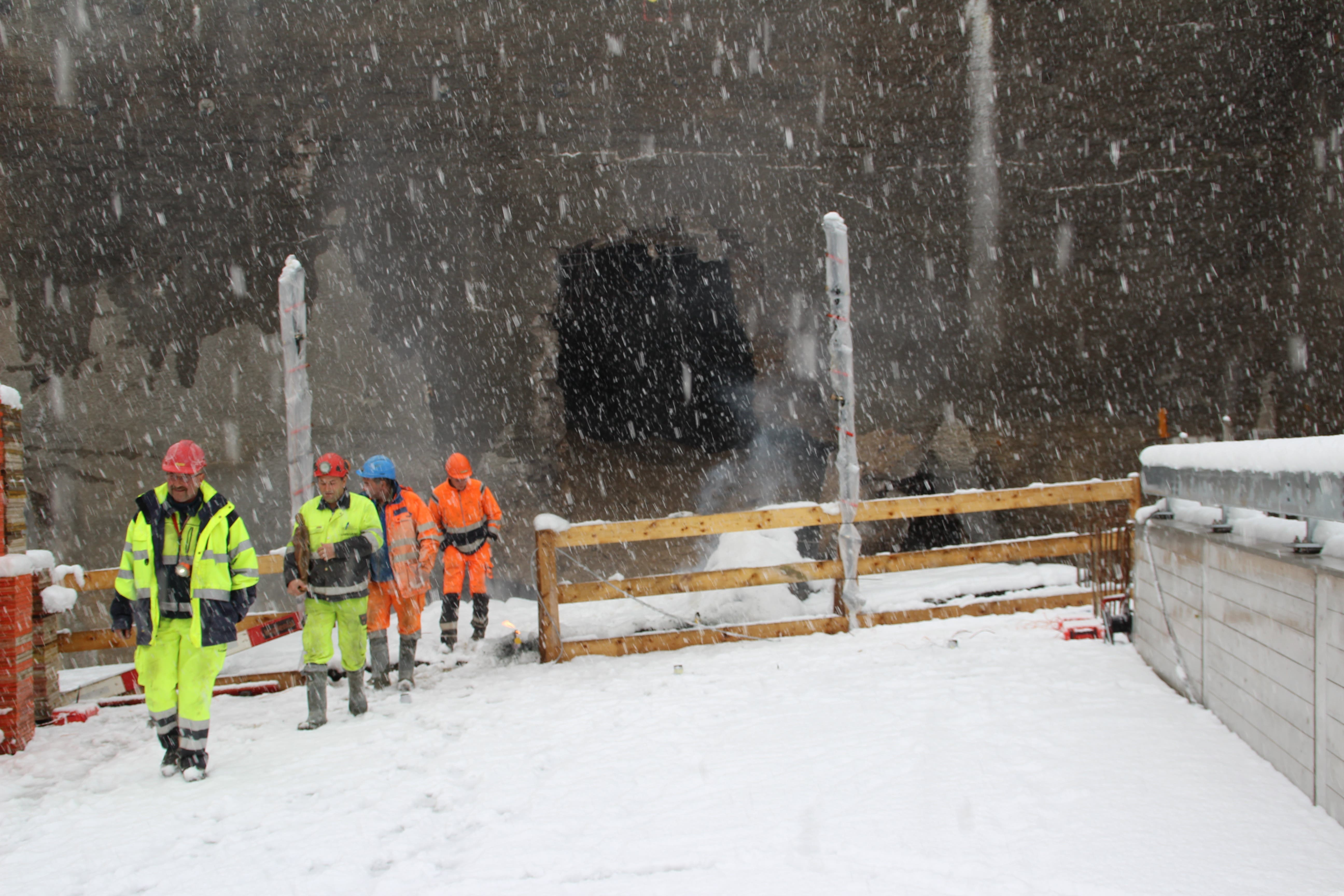 Der Tunnel Michelau ist der einzige bergmännische Tunnel der Umfahrung Bütschwil. Im April 2017 wurde der Durchschlag gefeiert.