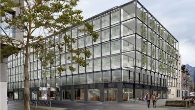 So soll die Überbauung Rösslimatt in Luzern dereinst aussehen. MSD bezieht das Gebäude direkt hinter der Citybay, im langen Gebäude entlang der Gleise kommt die HSLU unter. (Visualisierung: Architron, 2020)