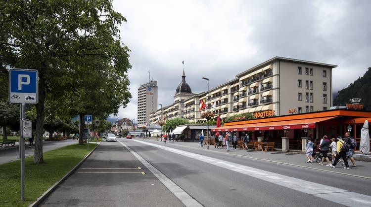 Zur Aevis Victoria SA gehören unter anderem Privatkliniken und Luxushotels wie das Victoria Jungfrau in Interlaken. (Keystone)
