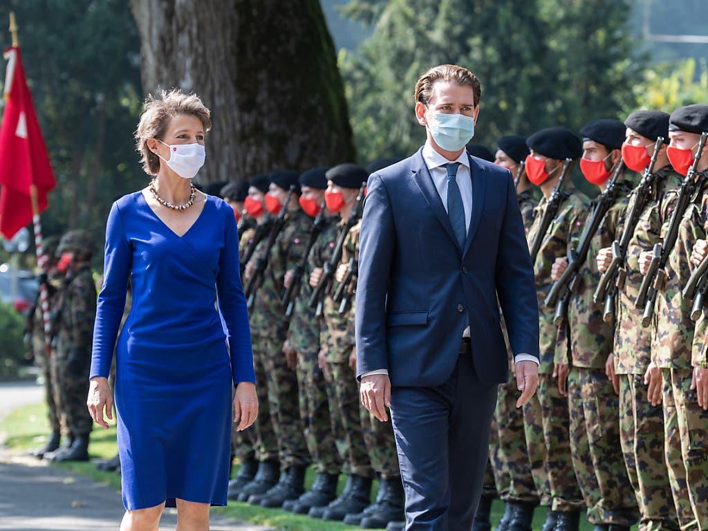 Österreichs Kanzler Sebastian Kurz wurde in Bern mit militärischen Ehren empfangen.